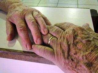 Mãos idosas