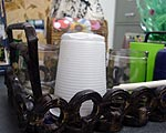 Foto de um de vários materiais reciclados