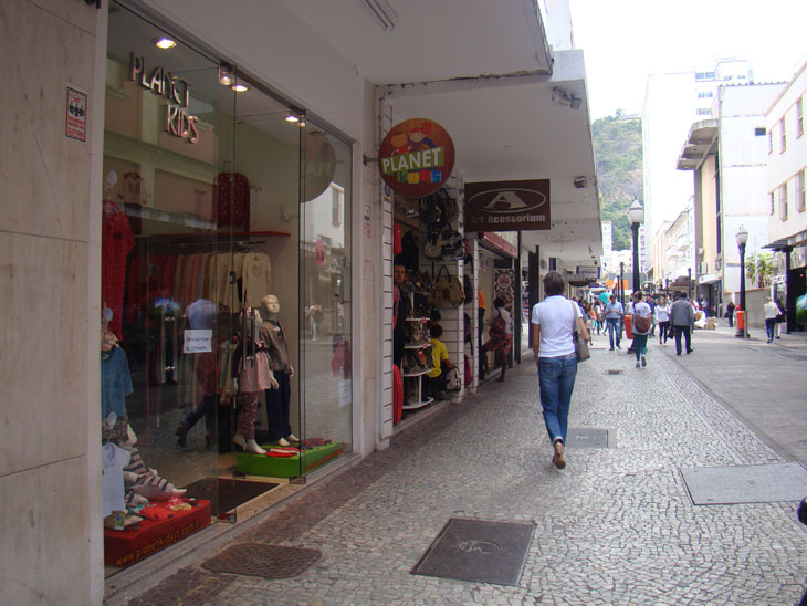 Comerciantes demonstram insatisfação com vendas do Dia dos Namorados